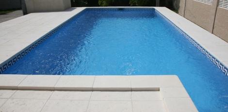 Remate en hormig n remate piscina for Modelos de piscinas de hormigon