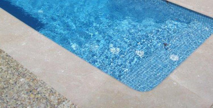 Remate en piedra natural remate piscina - Piedra natural para piscinas ...